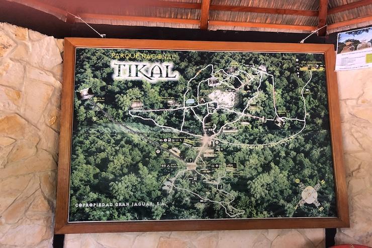 Übersichtsschild Tikal