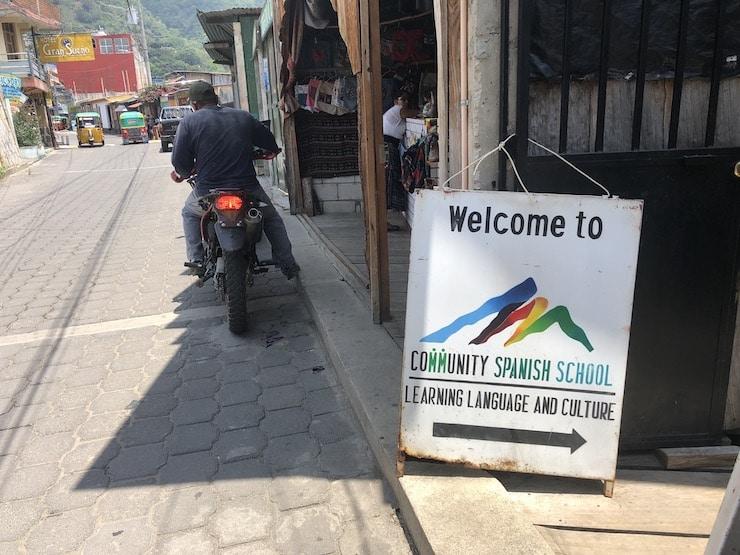 Eingang Community Spanisch School