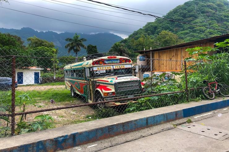 Bunter Chickenbus in Guatemala