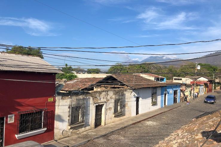 Häuser Anitgua Vulkane