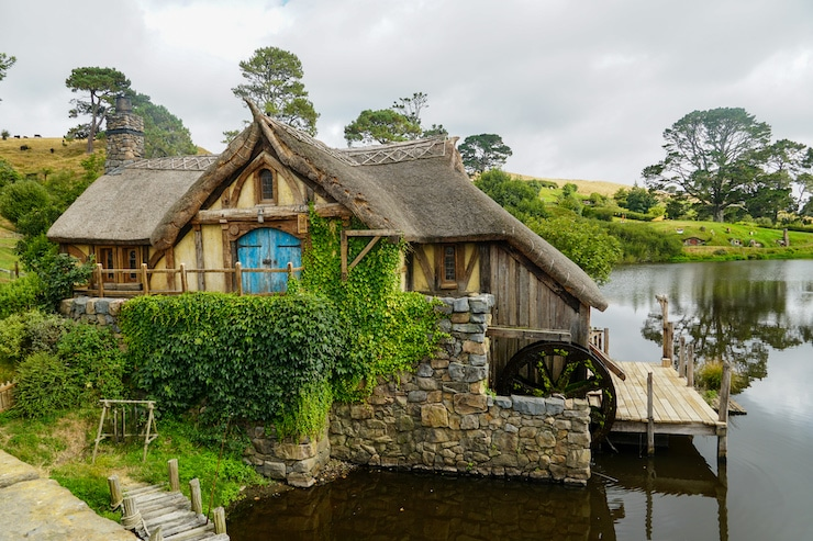 Mühle am See in Hobbiton