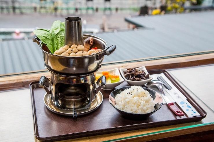 Hot Pot Tablet mit Reis