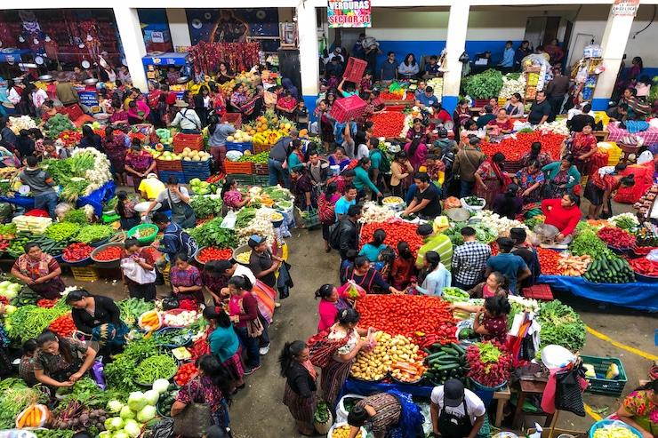 Größter Zentralmarkt Chichicastenango in Guatemala